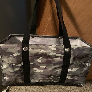 Thirty one large utility tote camo